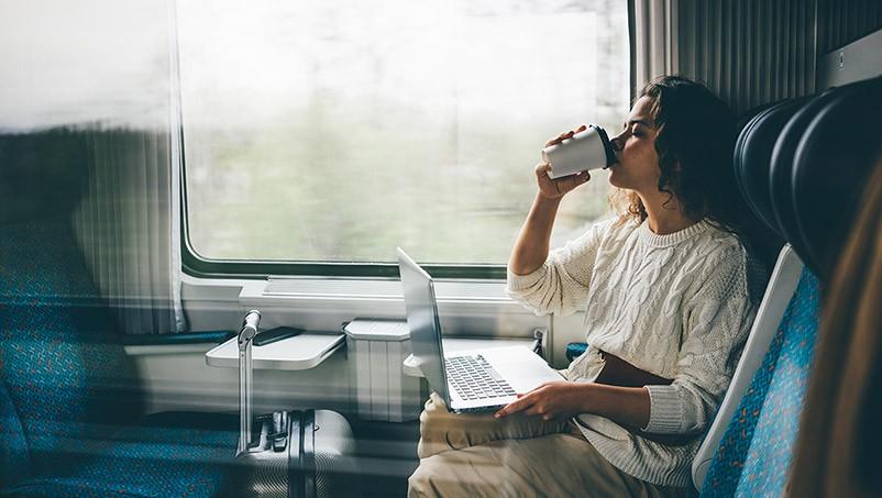 emplois qui combinent travail et voyage
